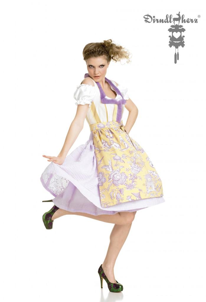 Dirndl 'Violetfemme' aus der Kollektion 'Erntedank', ca. € 990,-