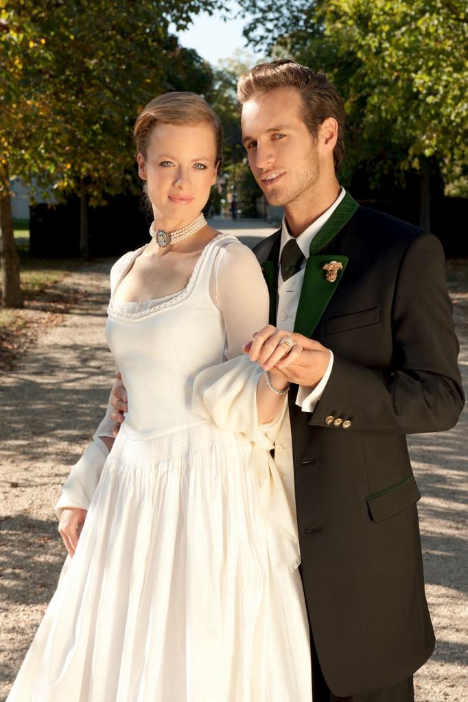 Hochzeitsdirndl weiß von Gössl