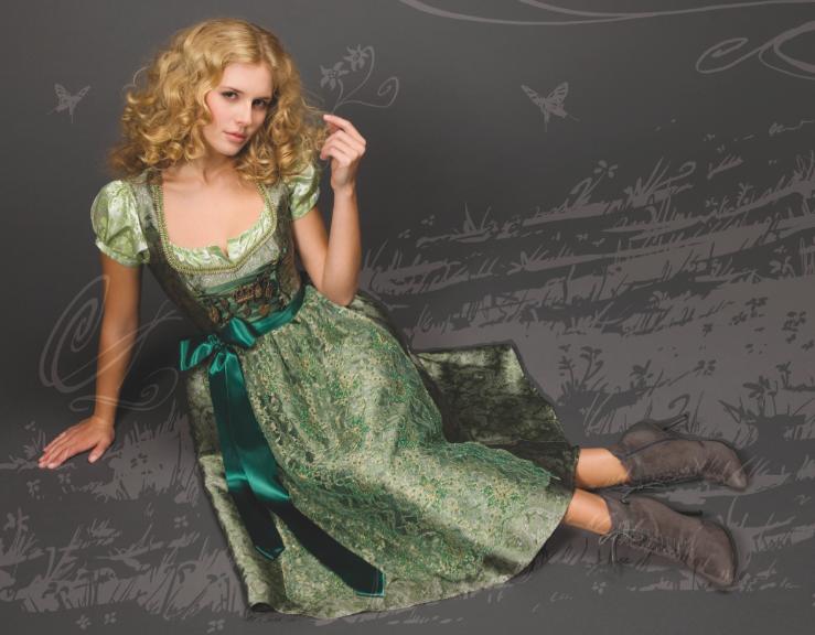 Die Kreationen von Trentini Couture entführen in die fabelhafte Welt der Julia Trentini
