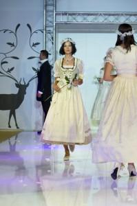 Hochzeitsdirndl Krüger Madl SS 2012