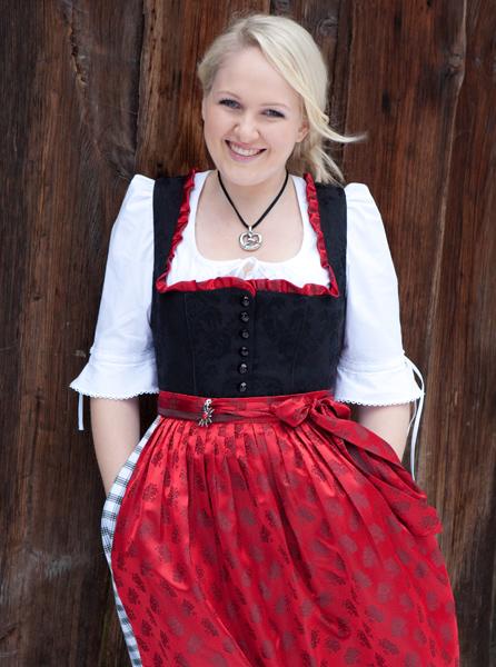 Winterdirndl schwarz/grau/rot