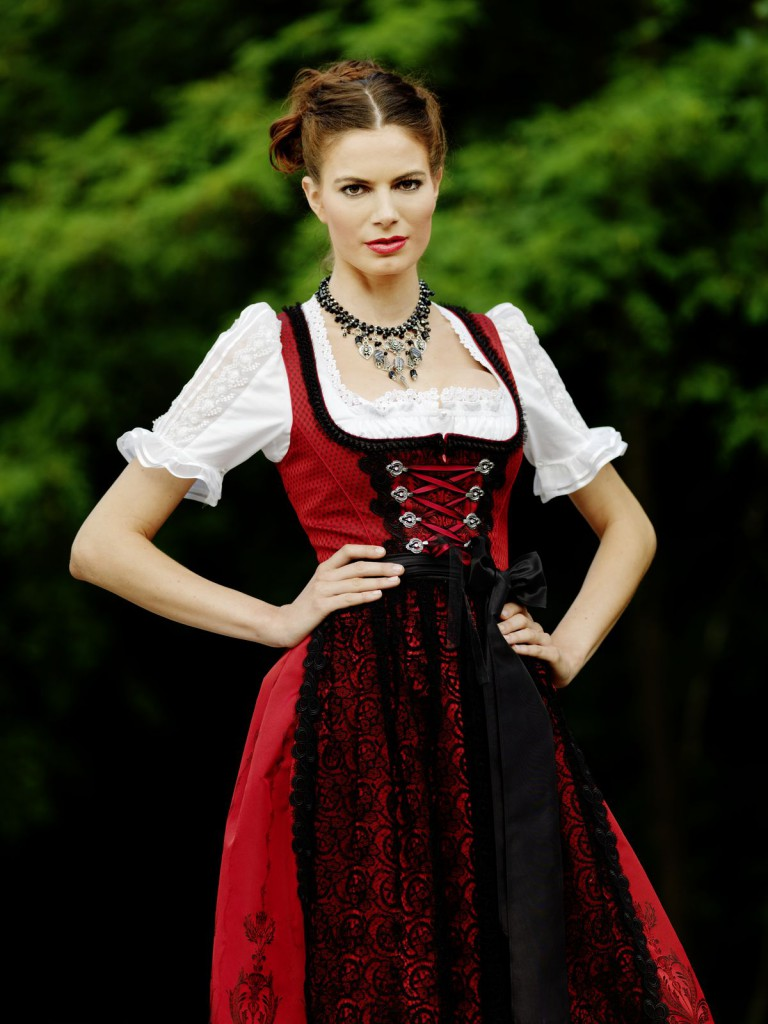 dirndl 2012 traditionelle dirndl bei kr ger manufaktur. Black Bedroom Furniture Sets. Home Design Ideas