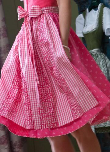 rosa Dirndl von Susanne Spatt