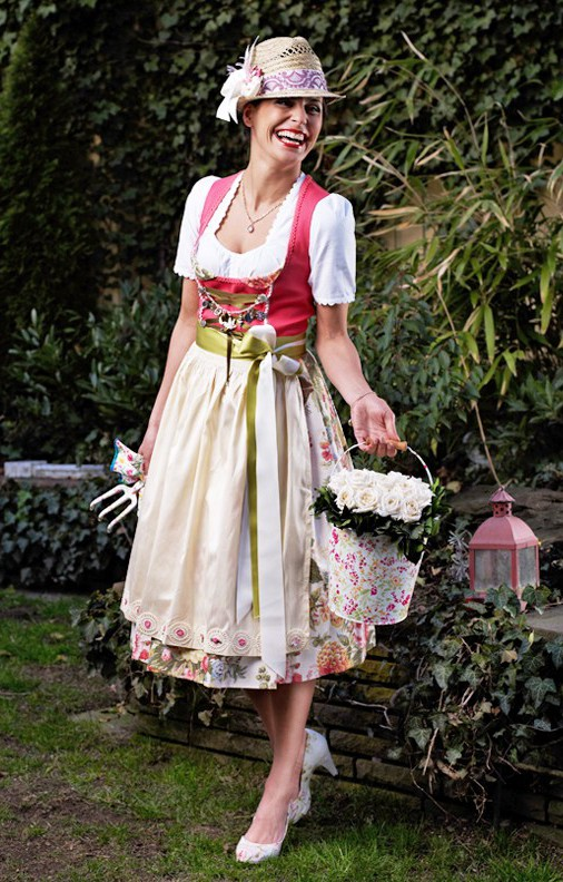 oktoberfest dirndl dirndl mode. Black Bedroom Furniture Sets. Home Design Ideas