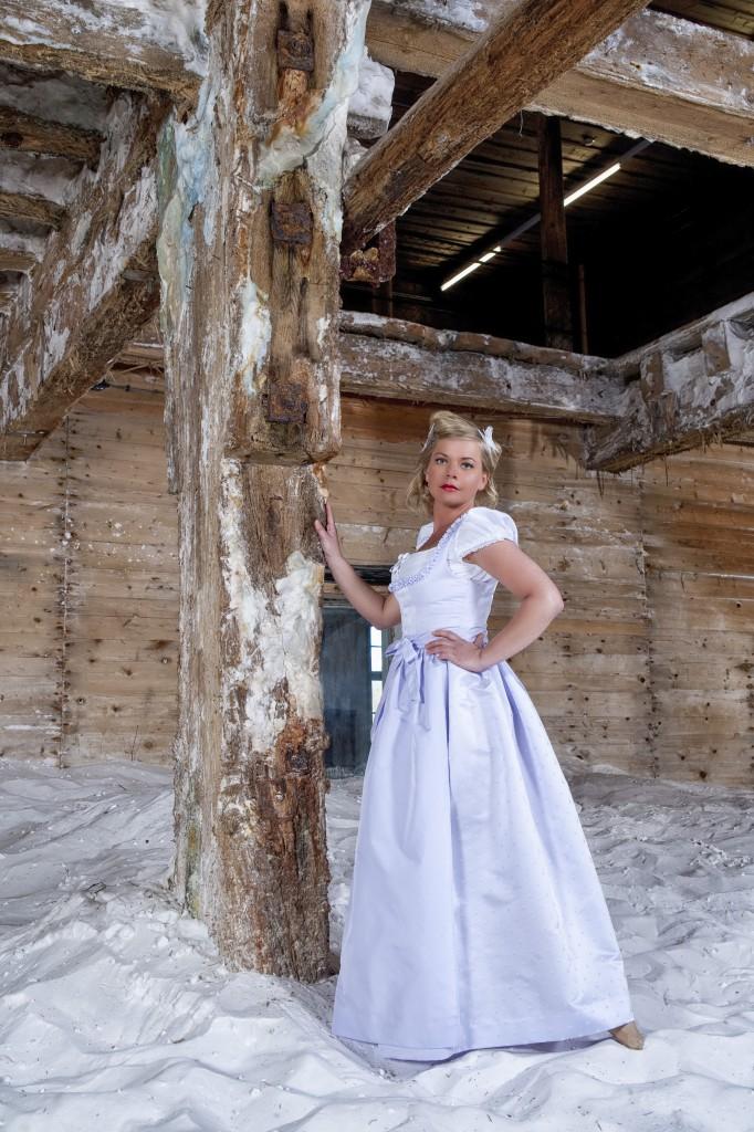 Hochzeitsdirndl hellblau, HANNA-Trachten