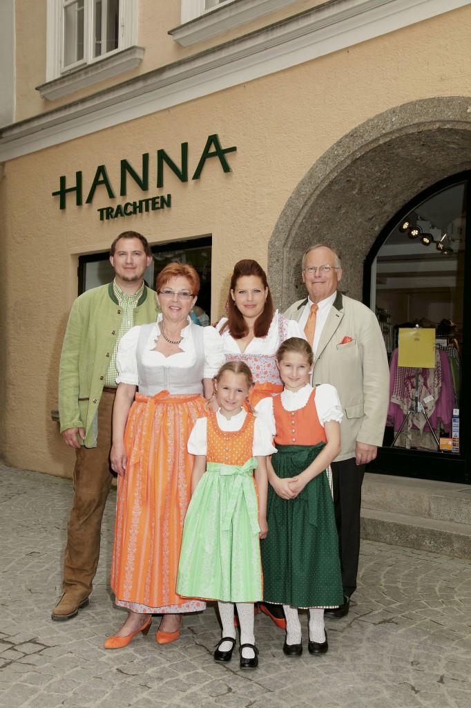 Familie Kurz - HANNA Trachten