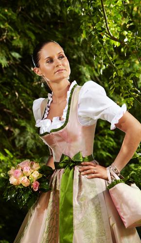 Hochzeitsdirndl rosa mit grüner Borte und original Ausseer Handdruck - Susanne Spatt